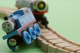 train-going-off-track